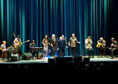 Lindsay Field John Farnham Concert